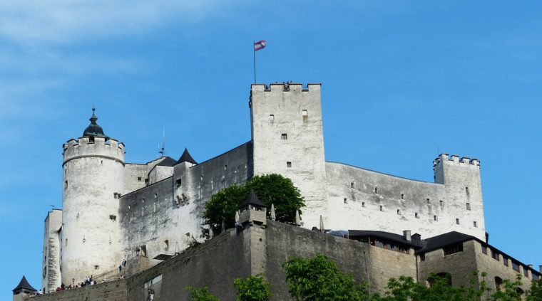 Hohensalzburg fortress, Austria via Pixabay, public domain)